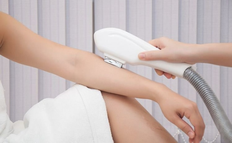 Lý do các spa, thẩm mỹ viện sử dụng máy triệt lông không hiệu quả