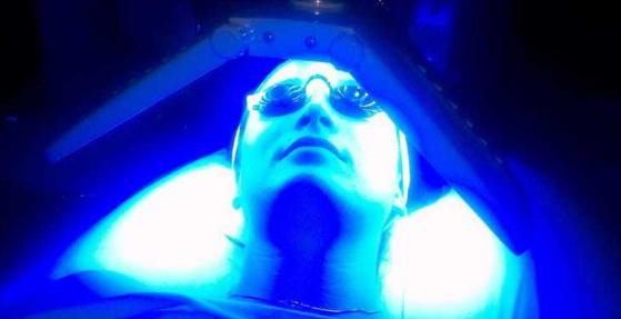 các loại máy trị mụn ánh sáng sinh học